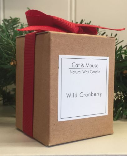 Scented Candle  20cl in a Gift Box - Wild Cranberry